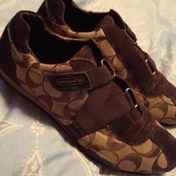 e296c0f79152 Coach Shoes - 🎁FLASH SALE 🎁 Kyrie Z strap shoes Size 7.5